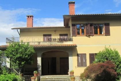 Vendita Villa padronale con parco e Piscina a Monte san Savino in Toscana